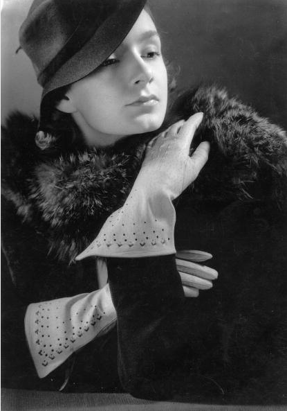 30s Glove Perfection #1930s #gloves #30s #fashion