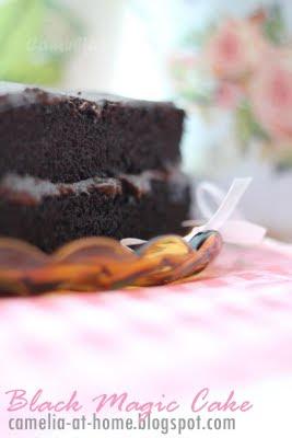 C a m e l i a @ H o m e: Hersey's Black Magic Cake