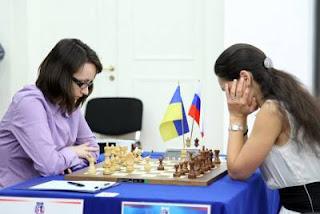 Echecs à Kazan: Kateryna Lahno (2546) s'offre le scalp d'une ex-championne du monde Alexandra Kosteniuk (2457) - Photo © Fide