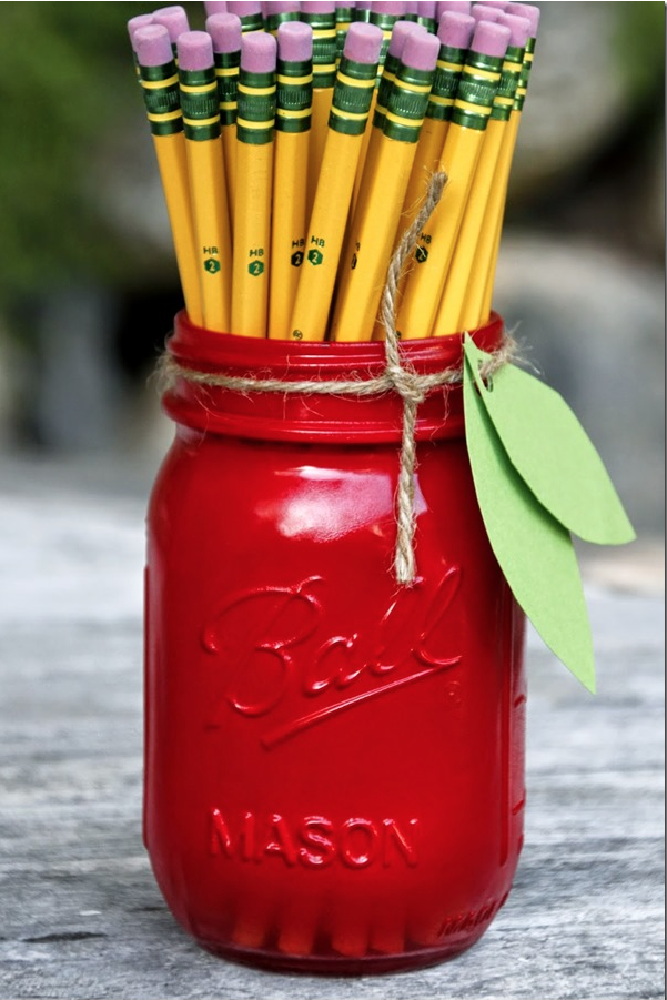Teacher Gift - via Tilly's Nest - Apple Mason Jar with pencils