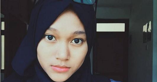 Kreasi Jilbab Mahasiswi Yang Cocok Dengan Kacamata