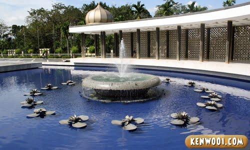 malaysia water fountain