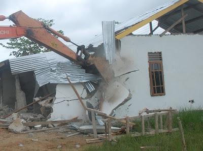 Rumah di WKP Tarakan Dibongkar Paksa Pakai Ekskavator - Ardiz Tarakan Borneo
