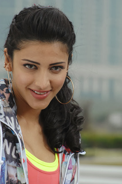 Shruthi Hassan In 7m Arivu