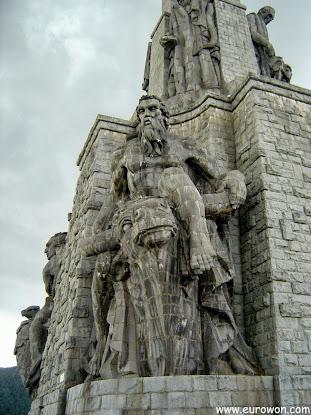 Estatua de la Cruz del Valle de los Caídos