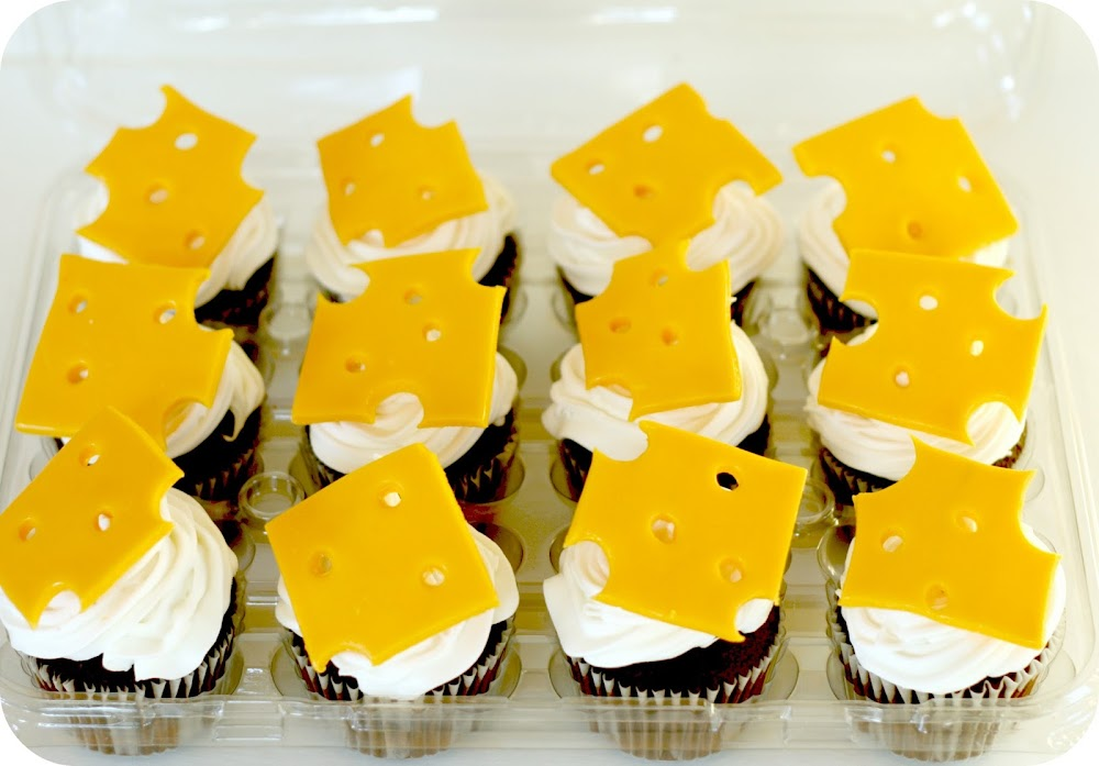 Cheese touch cupcakes