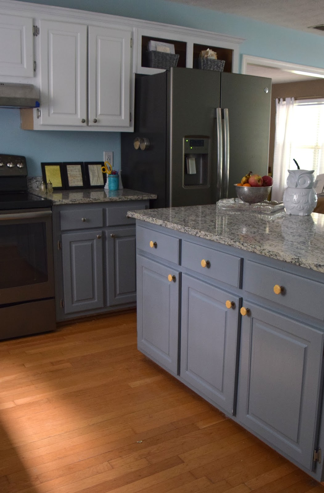 Our Journey in Love: Our Farmhouse Inspired Kitchen