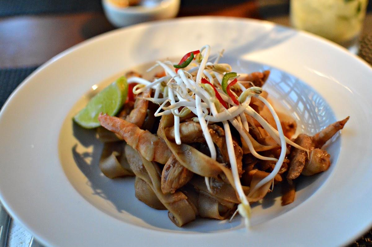 SABOREANDO FLORIPA: May - Restaurante tailandês e vietnamita em  Florianópolis