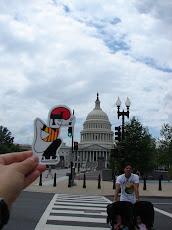 Washington DC, el catganer visita el capitoli.
