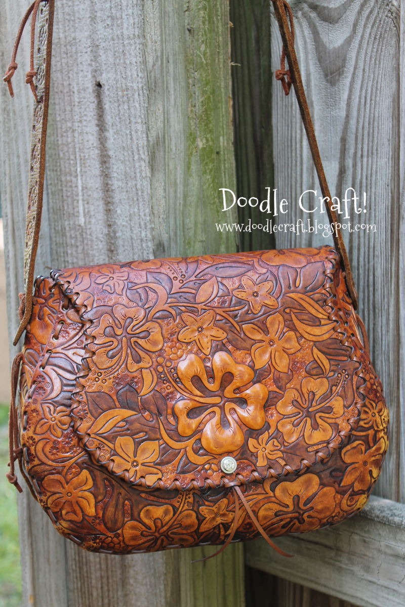 Doodlecraft Hawaiian Hibiscus Leather Purse