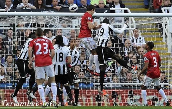 Hasil New CastleUnited VS Manchester United Minggu 7 Oktober 2012