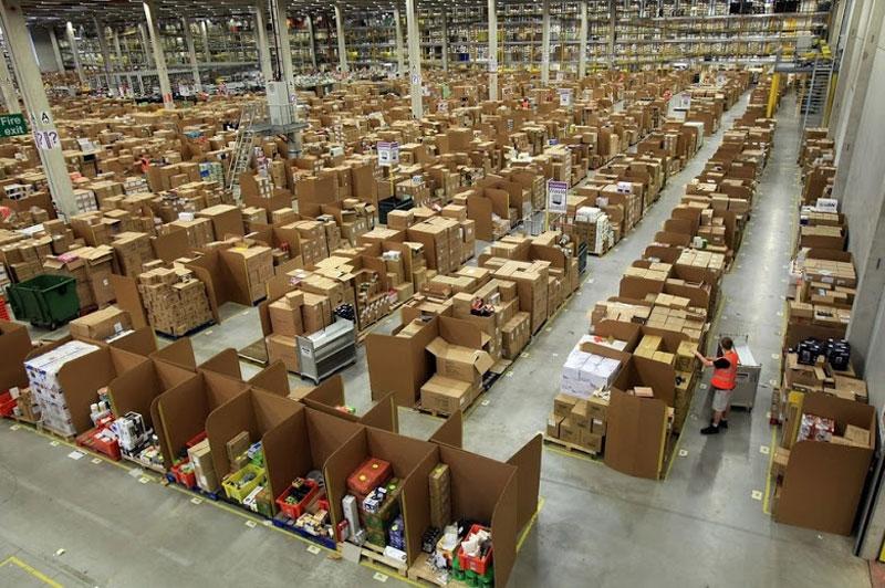 Dentro de Almacenes de Amazon. ~ LeugimBlog
