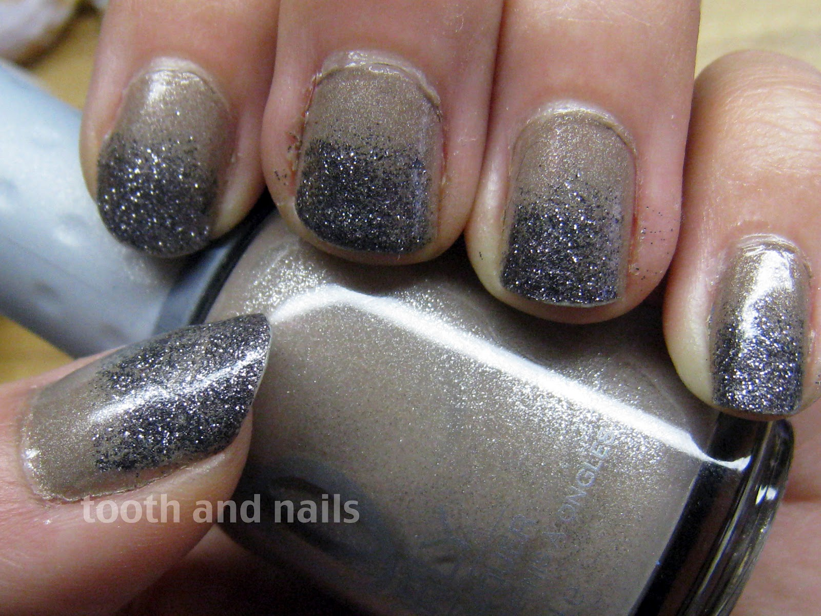 Tooth and Nails: Throwback Thursday: Nude Glitter Gradient