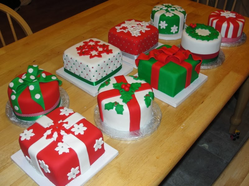 Images Of Christmas Cake Decorations : WONDERLAND: CHRISTMAS CAKE DECORATING IDEAS