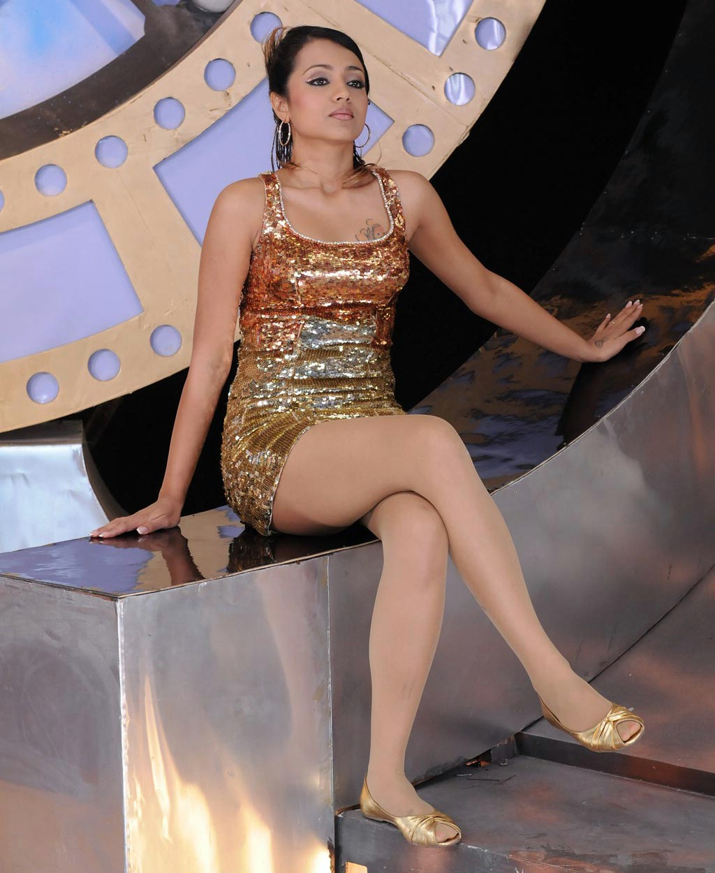 http://2.bp.blogspot.com/-0q9oZGUdsKA/UBKgelBY_nI/AAAAAAAAEtk/n1wNa_qryQs/s1600/Trisha14.jpg