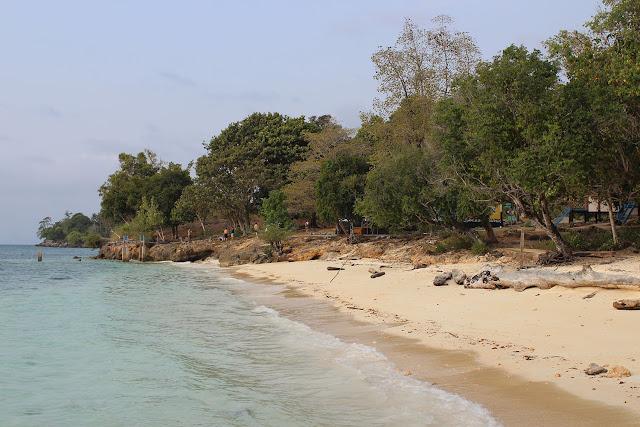 Pantai di Palu