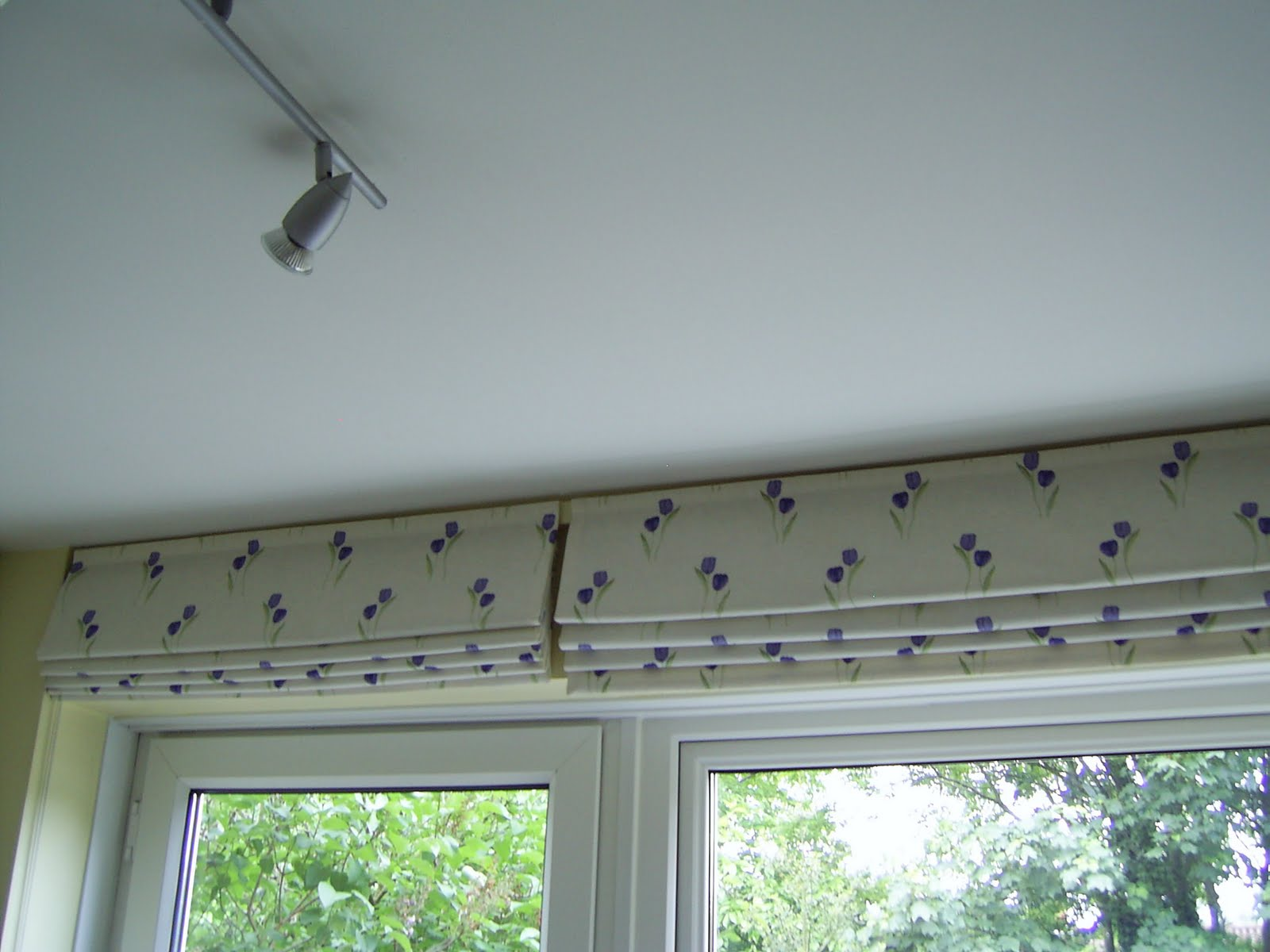 Roller Blinds For Kitchens Baggieaggie Low Cost Kitchen Blinds For Awkward Spaces