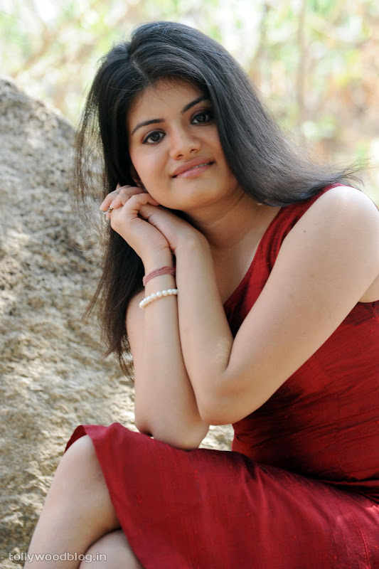 Meenakshi Latest Telugu Actress Photos hot images