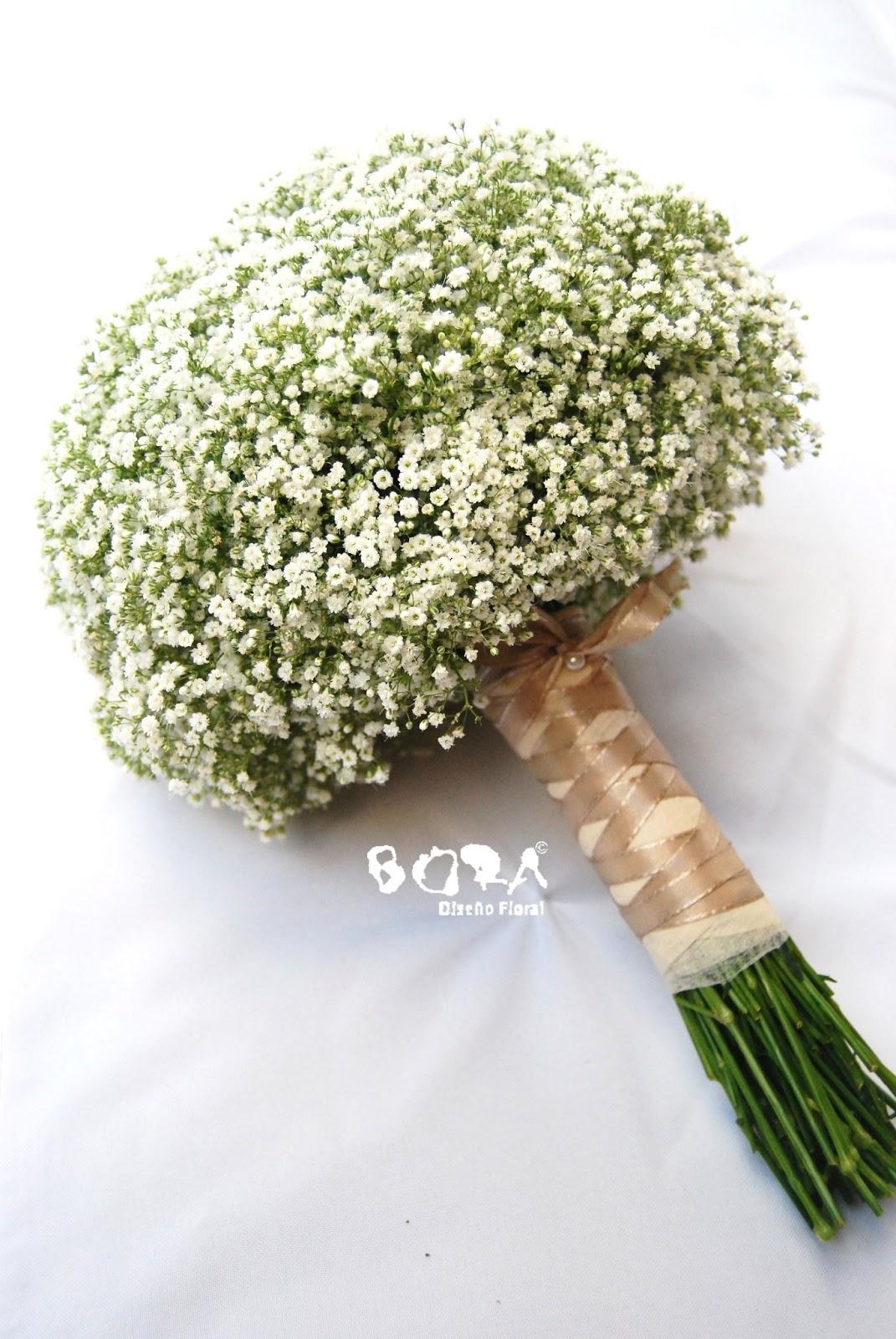 bora dise o floral decorando con paniculata