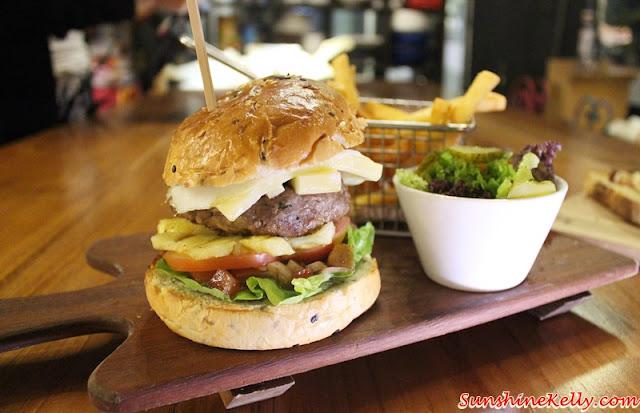 La Casa, Verve Suites, Mont Kiara, burger