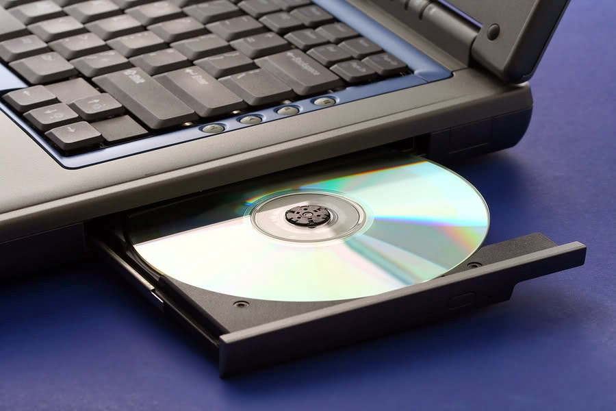 CD Rom/DVD Rom yang Nyangkut