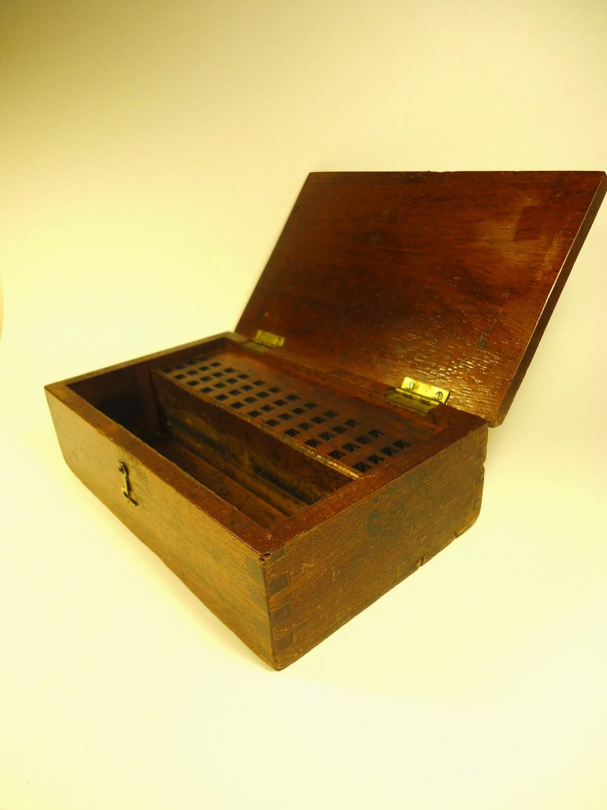 Cajas antiguas inglesas de oficina de correos vendidas for Caja de ingenieros oficinas