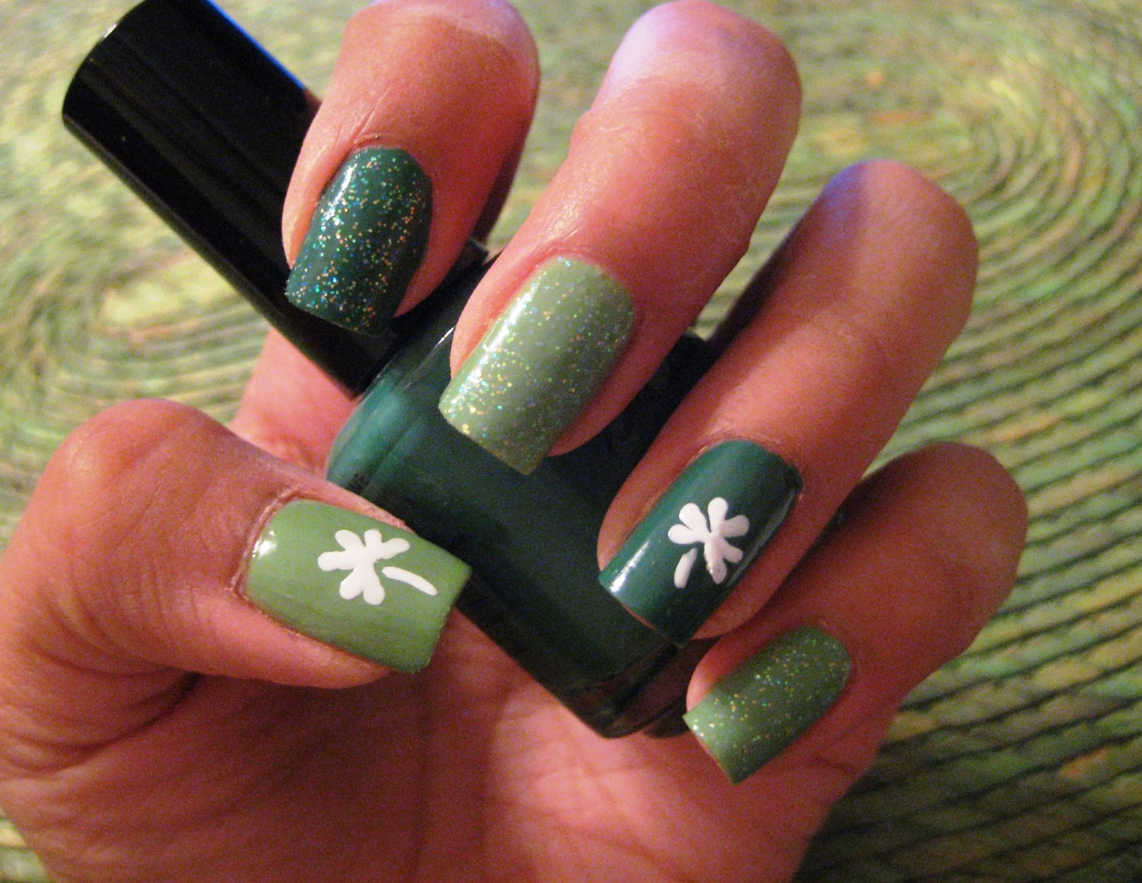 5 Finger Discount: Cute Holiday Nail Art on a budget: Shamrock Green ...