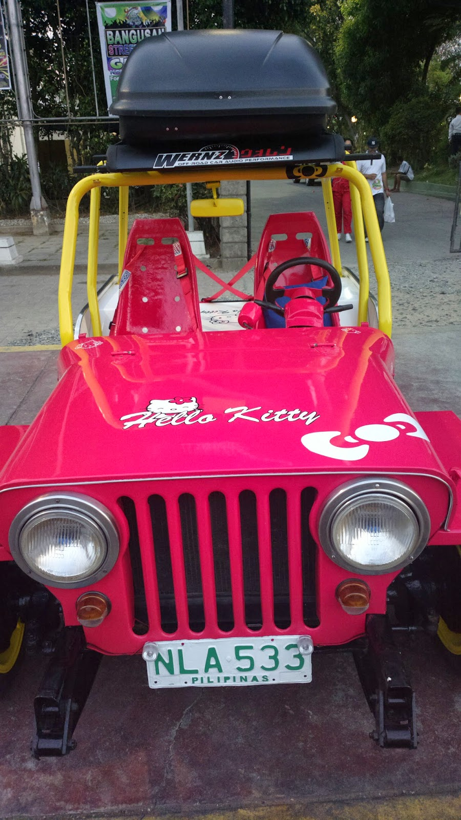 Hello Kitty Jeep