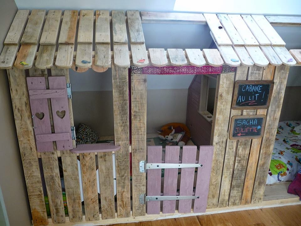 Casita y habitaciones con palets para - Como hacer una casa con palets ...