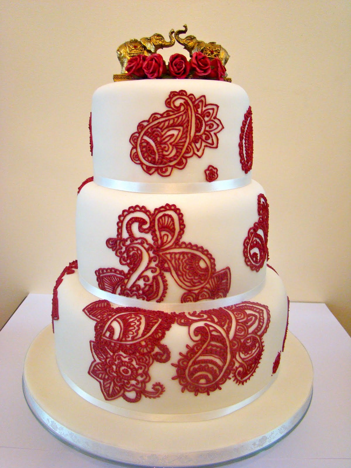 Mehndi Patterns For Cakes : Mehndi wedding cake boutique shop