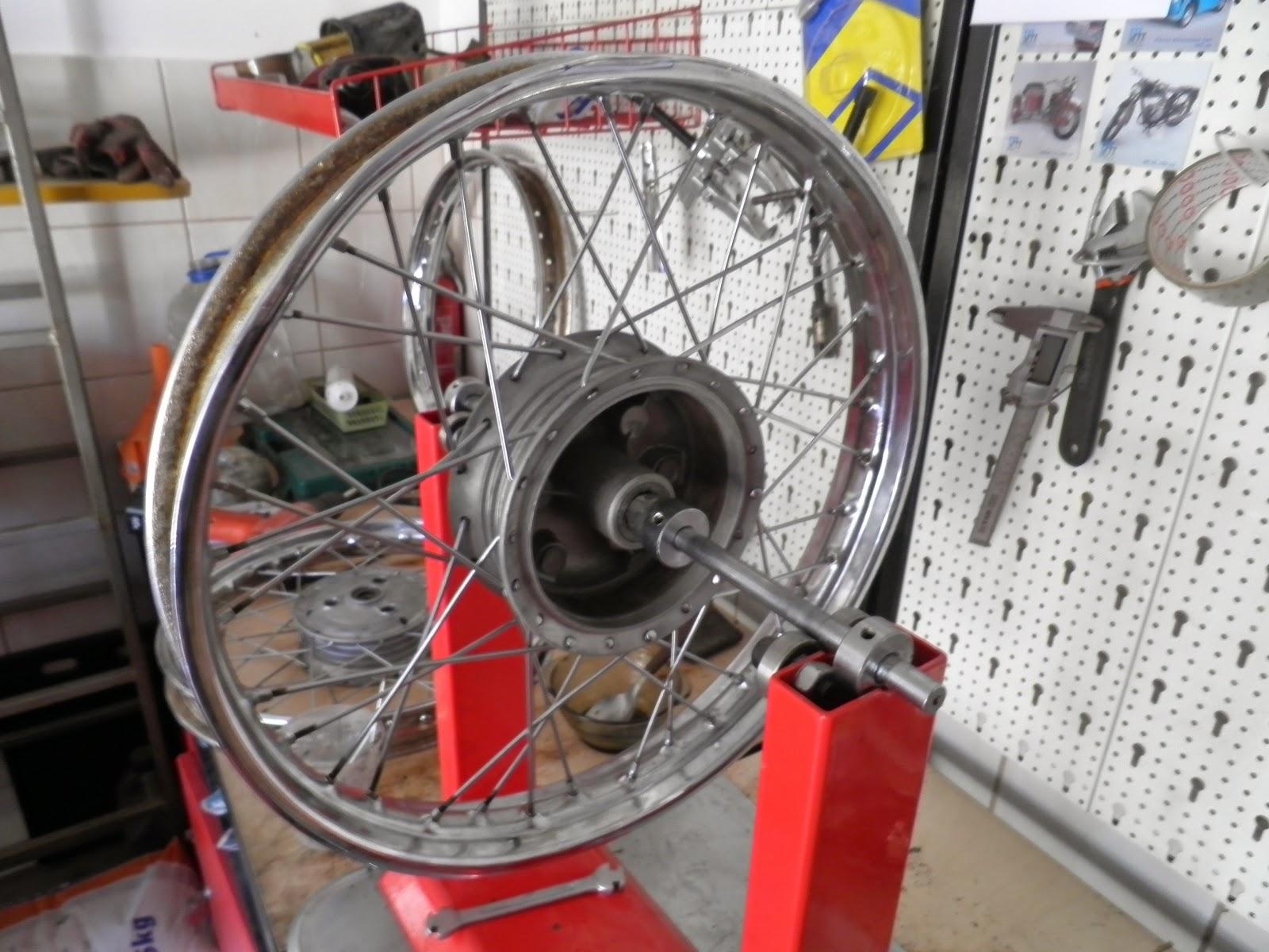 Jawa koło - montaż