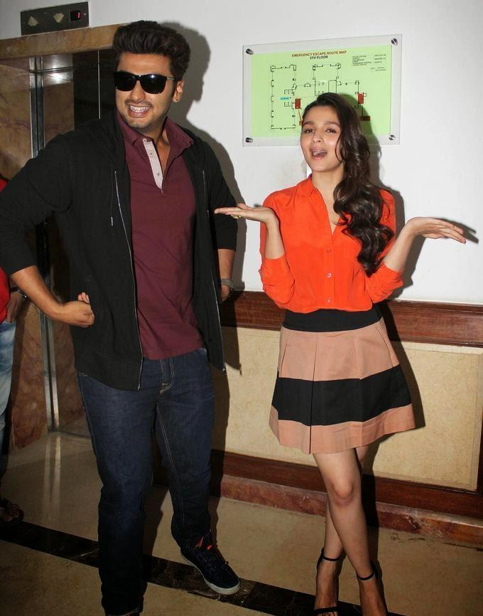 http://2.bp.blogspot.com/-0rRN_H9tG0I/UzUcmNhvsiI/AAAAAAAAnSI/xmxjamN8L9U/s1600/Alia+Bhatt+&+Arjun+Kapoor+at+film+2+States+Promotion+(2).jpg