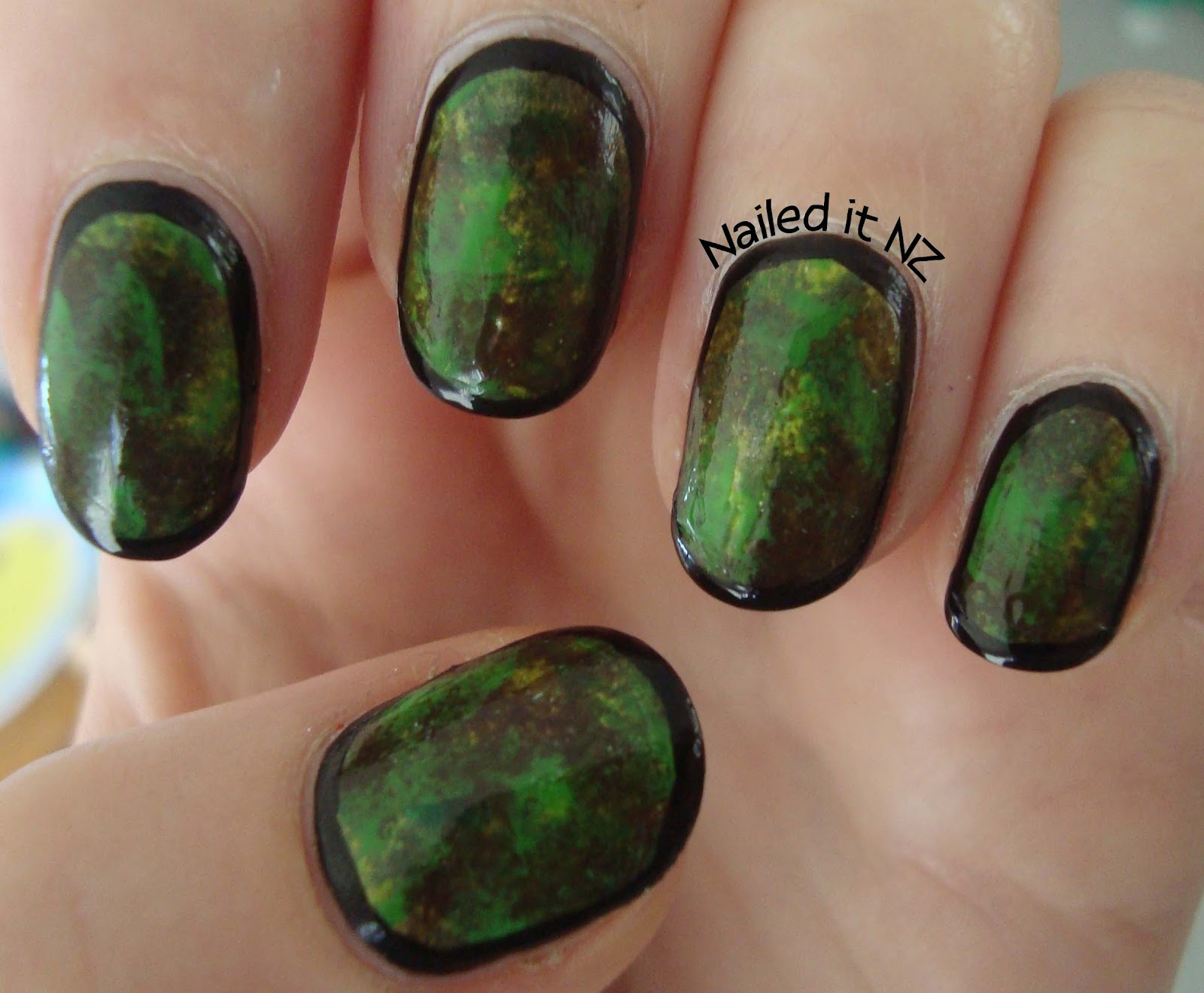 Army/camouflage nails - sponged on