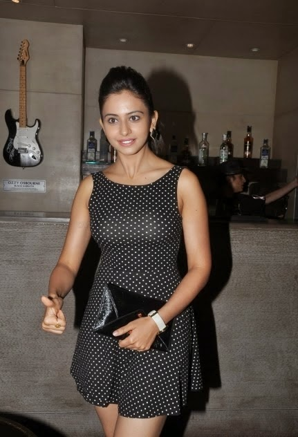 rakul preet singh hot mini skirt image