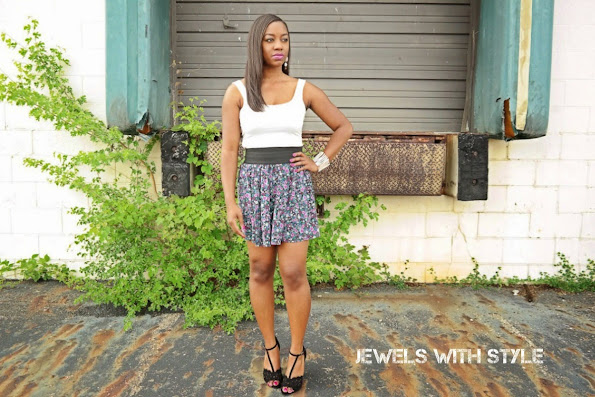 how to wear a tank top, how to style a tank top, black and white outfits, jewels with style, black fashion blogger, floral skirt, floral mini skirt, summer outfit ideas
