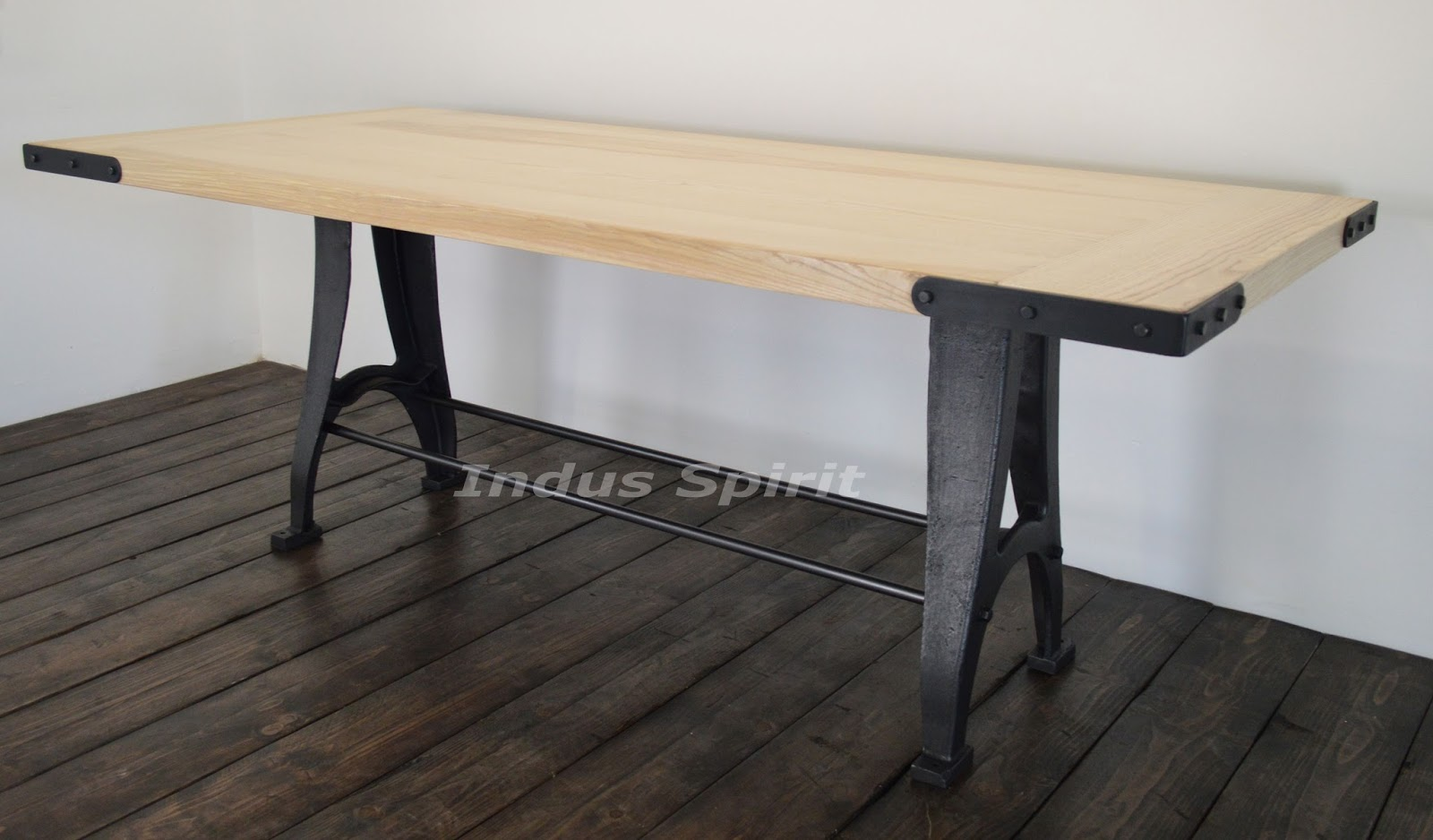 table design industriel On table design industriel