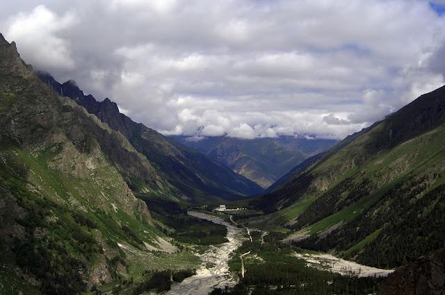 Кавказ - красивые горы повсюду. Джейрах, Казбек, Эльбрус - страна чудес