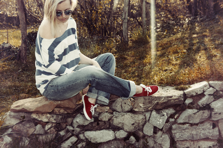 For Peet's Sake blog striped top red sneakers boyfriend jeans
