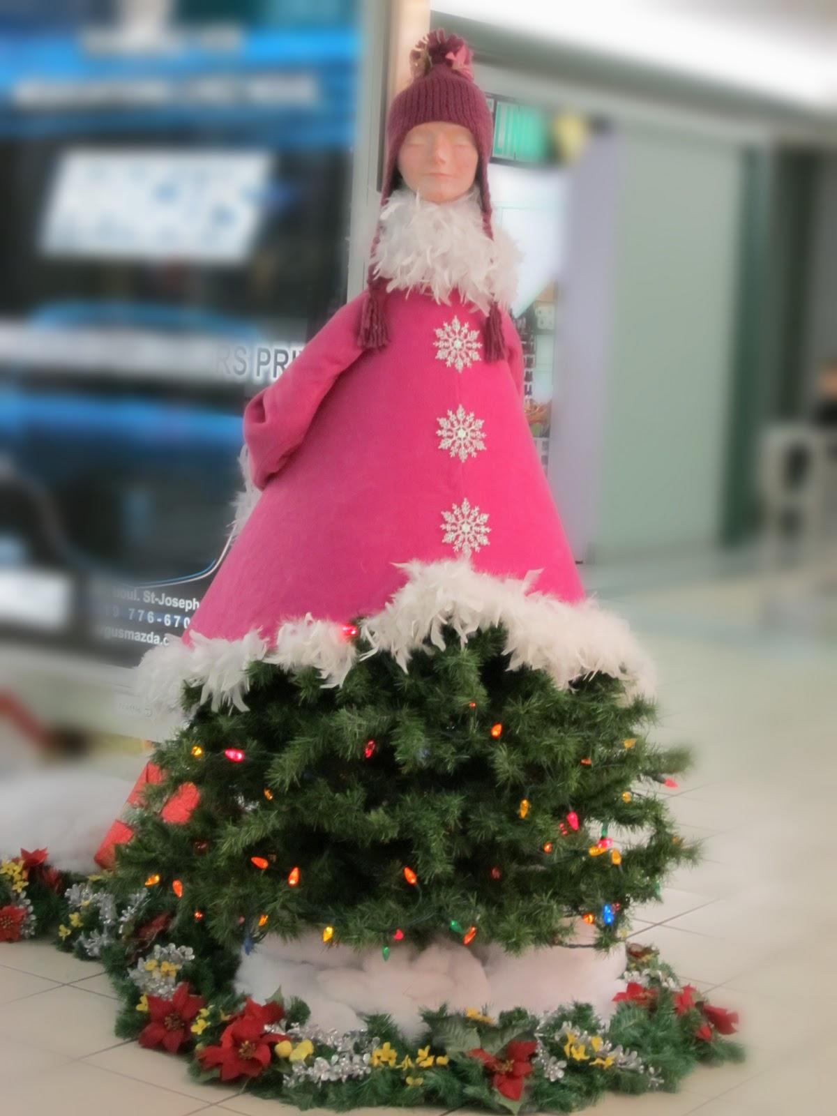 creepy christmas decorations - Creepy Christmas Decorations