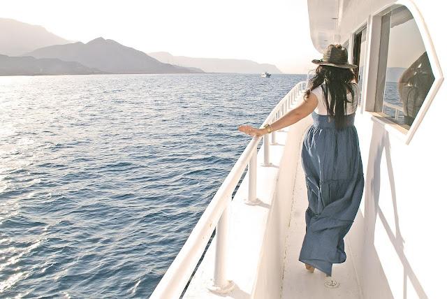 paseo-en-barco-por-el-mar-rojo
