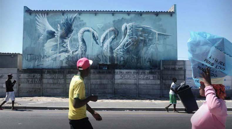 Nuevo trabajo de Faith47 en las calles de Londres y Ciudad del Cabo