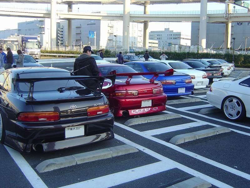 Toyota Soarer Z30, tył, duży spojler, mało znane samochody z lat 90, ciekawe, auta po tuningu