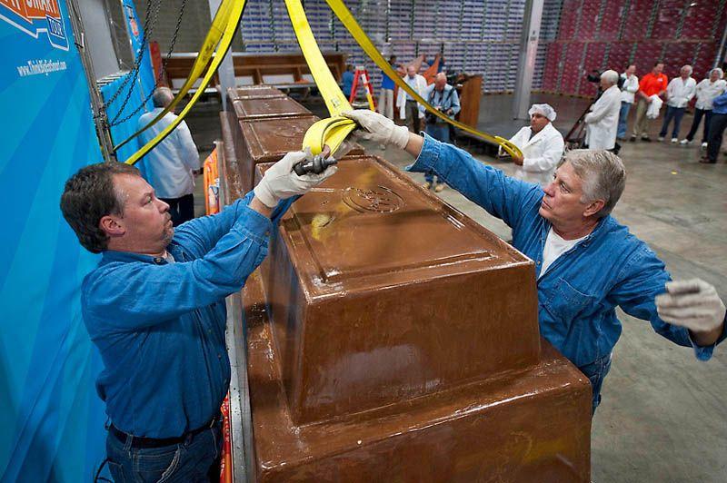 News Hump: World Largest Chocolate Bar