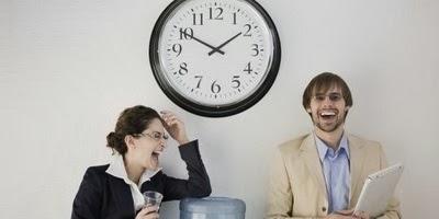 Dampak Negatif Pacaran Pemborosan Waktu