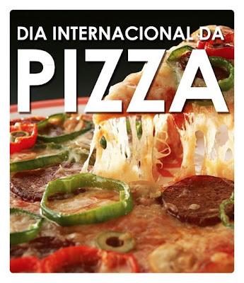 Pesquisando pela internet descobri que essa data passou a ser comemorada no Brasil desde o ano de 1935 quando houve um concurso das 10 melhores pizzas de São Paulo
