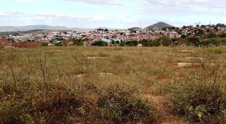 Vende-se um terreno em Mairi-BA