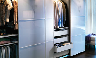 die kluge hausfrau ordnung im kleiderschrank. Black Bedroom Furniture Sets. Home Design Ideas