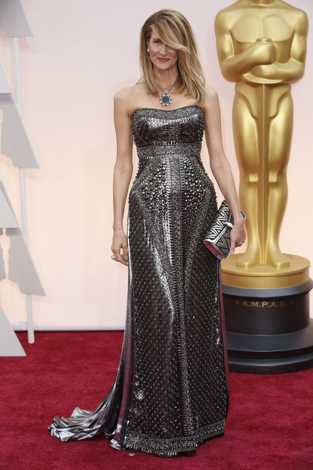 Laura Dern in Alberta Ferretti at the Oscars 2015