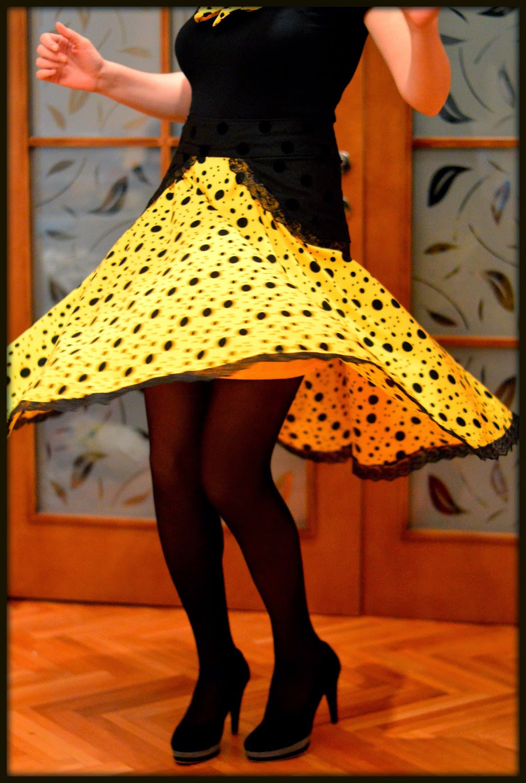 Yellow and black polka dots two layer circle skirt with lace hem twirl
