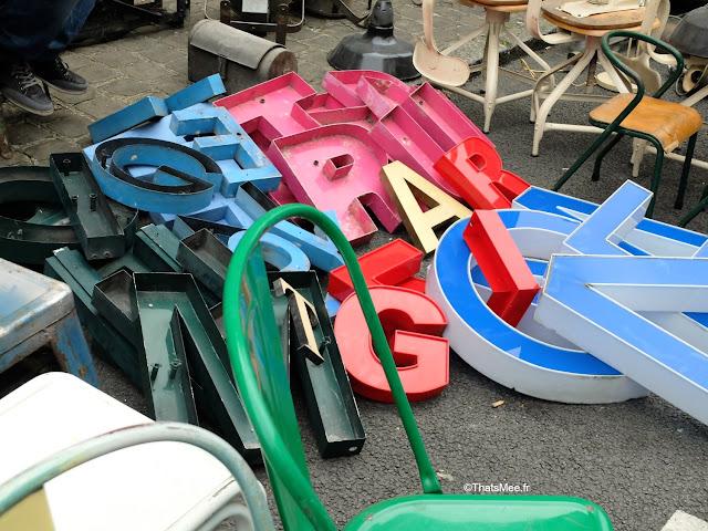 Braderie de LiIle 2014 et 2015, lettres géantes enseigne tole vintage Champs de Mars La Deule brocante braderie Lille ThatsMee.fr